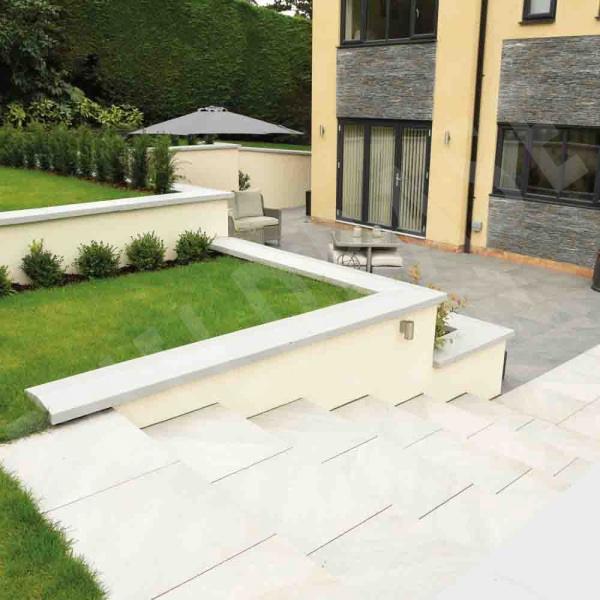 Smooth Sandstone Corner Step Silver Grey