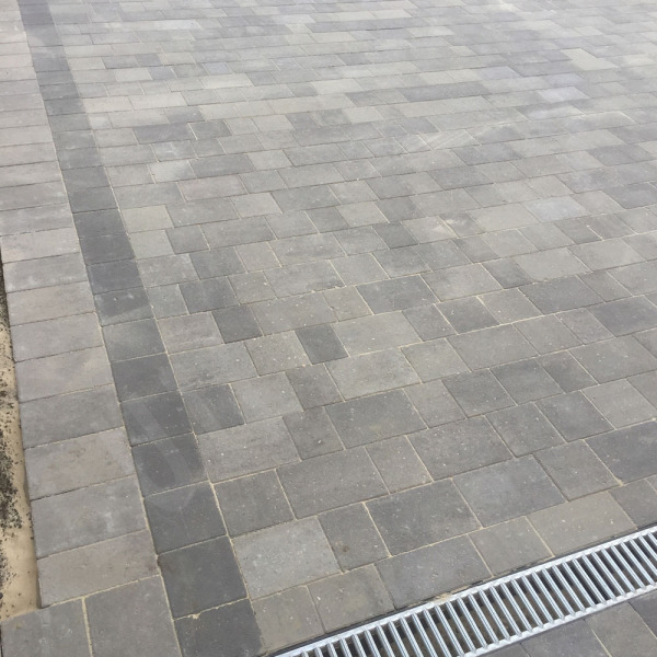 Beta Block Paving 105x140mm Charcoal
