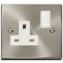 Click VPSC035WH 1 Gang 13A DP Switched Socket Outlet