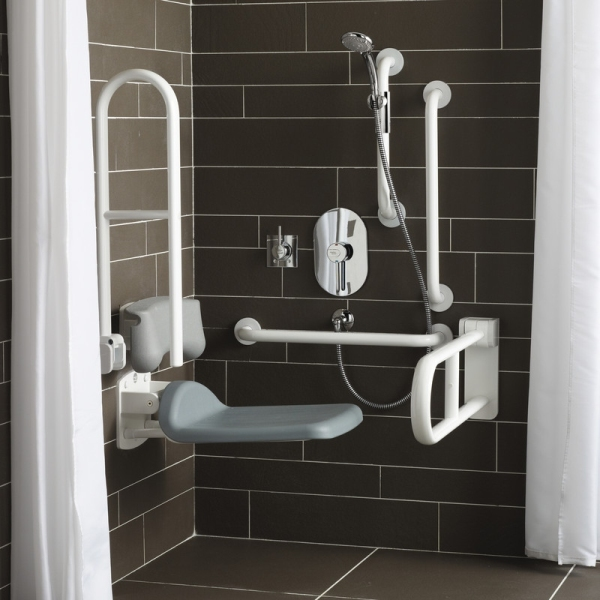 Armitage Shanks Contour 21 DOC M Unisex Shower Pack With White Rails